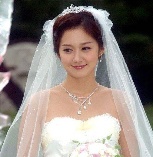 Bollywoodcharm.com-bollywood news –hindi news- latest news- japan-company-launches-solo-weddings-for-single-women